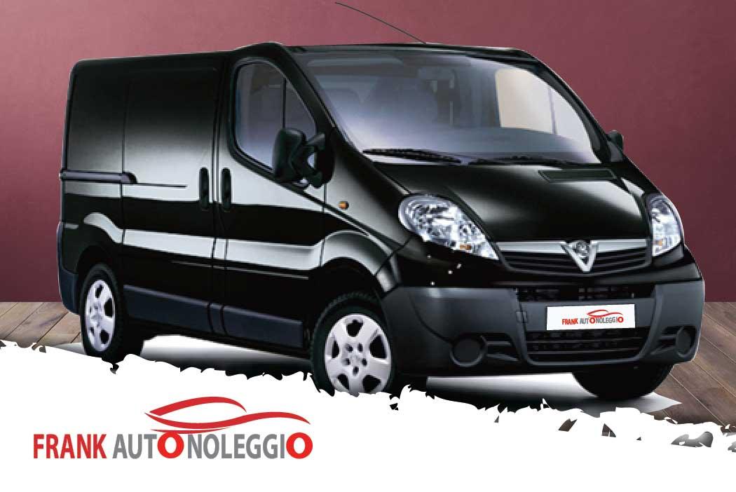 Opel Vivaro 9 posti in promozione su Napoli